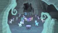 More zombie ponies surround the mane six S5E1