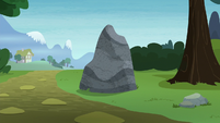 Ordinary-looking boulder S8E3