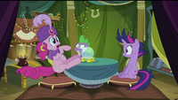 Pinkie Pie tail twitching S2E20