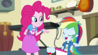 "Rainbow Dash ""thanks, Pinkie!"" EGS1"