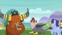 Rutherford looks at pony afraid of Grampa Gruff S8E1