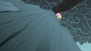 S01E07 Fluttershy spogląda na sam dół przepaści