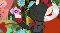 Sable Spirit holding a flower S7E16