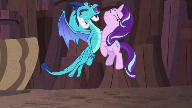 File:Starlight and Princess Ember chest-bump S7E1.png