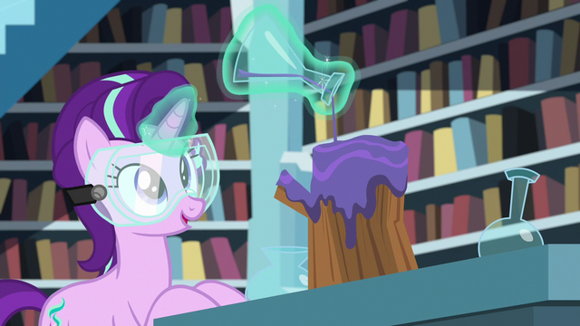 File:Starlight pouring potion on piece of wood S7E1.png