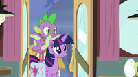 Twilight and Spike enter the Hay Burger S9E16