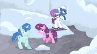 Village ponies afraid of Starlight S5E2