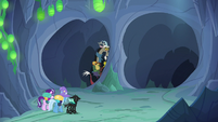 Discord Changeling entering the left tunnel S6E26
