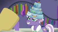 Jeweled Pony happy with her jewel hat S8E4