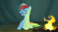 Rainbow offers to let Scootaloo sit next to her S7E16