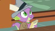 S02E08 Spike notuje słowa Dash