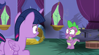 Spike surrounded by burn marks S8E11