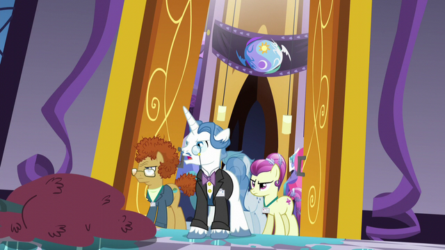 File:Summit delegates enter the summit hall S5E10.png