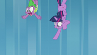 Twilight and Spike fall out of the sky again S5E25