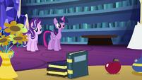 Twilight begins Starlight's transfiguration lesson S6E21