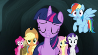 Twilight sure no one will notice her S4E22