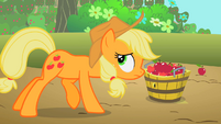 Applejack babysit now S2E13