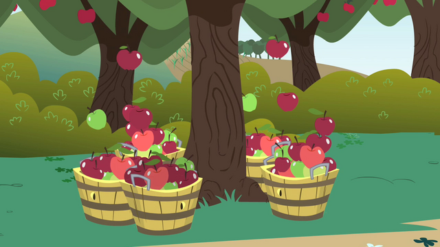 Файл:Apples falling into baskets S1E01.png