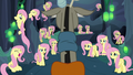 Discord discovers a lot of Fluttershys S6E26.png