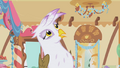 Gilda thinks Rainbow Dash is lying S1E05.png