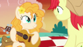 Pear Butter takes out a guitar S7E13.png