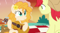 Pear Butter takes out a guitar S7E13