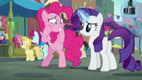 Pinkie Pie eagerly anticipating Maud's reaction S6E3