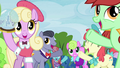 Ponies excitedly bidding items S2E22.png