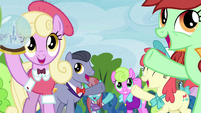 Ponies excitedly bidding items S2E22
