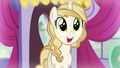 Pony in glee S5E14.png