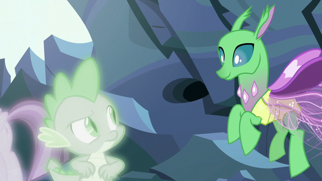 File:Simulated changeling flying down to Spike S7E1.png