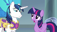 "Twilight Sparkle ""Mom and Dad aren't"" S9E4"