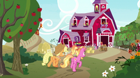 AJ and Luster arrive to Sweet Apple Acres S9E26