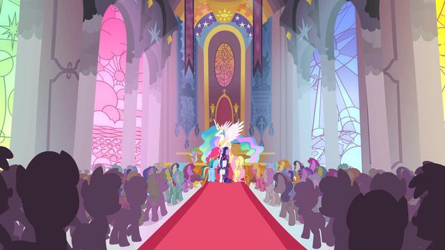 Файл:Celestia's victory ceremony S2E2.png