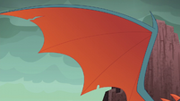 Dragon Lord Torch's big wing S6E5