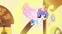 Flurry Heart sees cupcakes flying at her S7E3