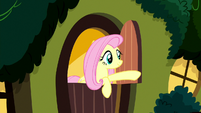Fluttershy closing her cottage door S8E18