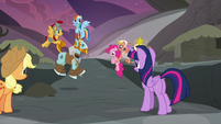Mane Six and Pillars return to the Hollow Shades S7E26