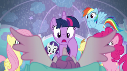 Mane six shocked to see Flurry Heart's wings S06E01