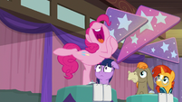 "Pinkie ""ends up loving the holiday"" S9E16"