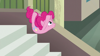 "Pinkie Pie jumps while spelling Maud's name ""U"" S6E3"