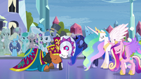 Princesses bow to the duke and duchess S4E25
