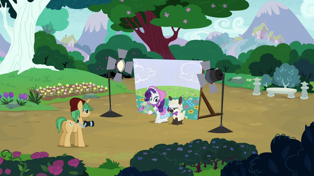File:Rarity and Sweetie Belle at a costumed photoshoot S7E6.png