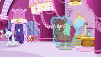 Rarity trotting away from Yona S9E7