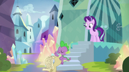 S06E01 Spike poucza Starlight