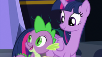 "Spike ""food and presents always cheer me up"" S7E3"