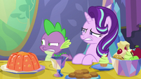 Spike and Starlight watch Princess Ember eat S7E15