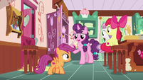 """Sugar Belle """"you three played such a big part"""" S9E23"""