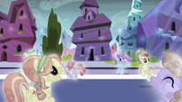 Crystal Ponies cheering in the streeet S6E2