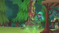 Gloriosa causes vines to grow over the totem pole EG4.png